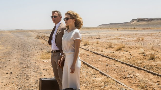 In Spectre, why did Madeleine Swann try to leave James Bond?