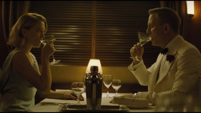 Narrative Question Sam Mendes In Spectre, why does it take such a short amount of time for Madeleine to fall in love with James Bond?