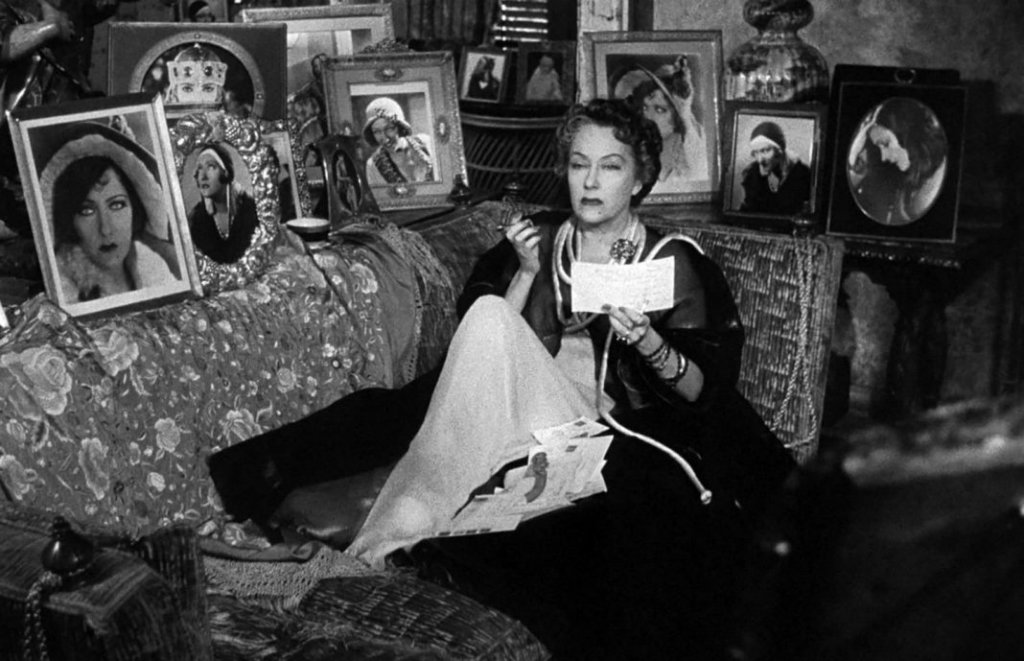 Sunset Boulevard Gloria Swanson pictures couch