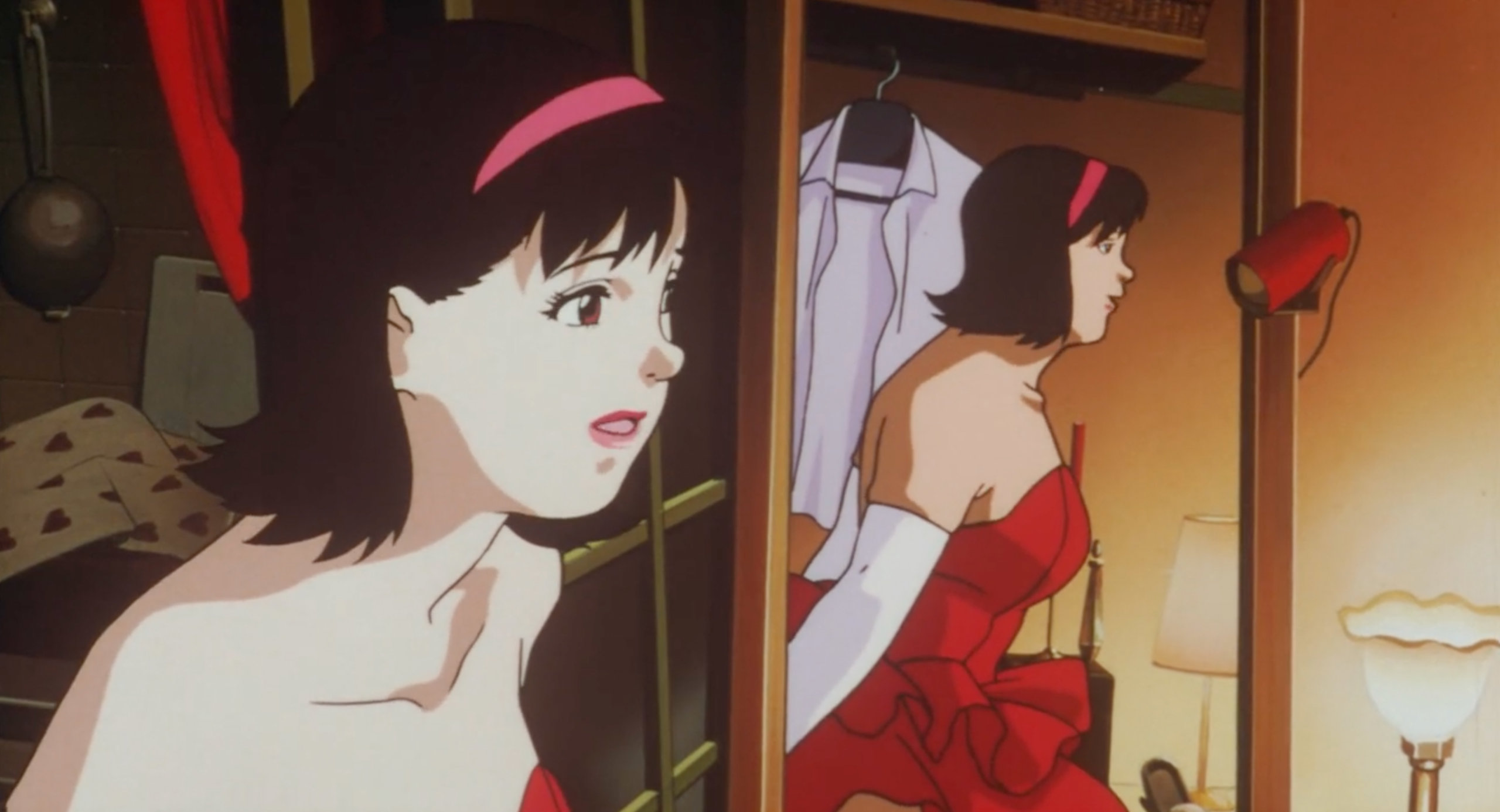 Rumi appears in the mirror pretending to be Mima in Perfect Blue